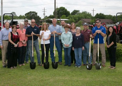 Groundbreaking for welcome to 'Winnie' Sign